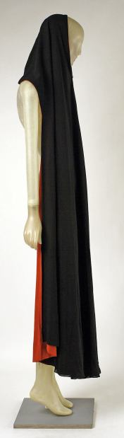 Side of Madeleine Vionnet Cape. 1937. French. Retrieved from: metmuseum.org
