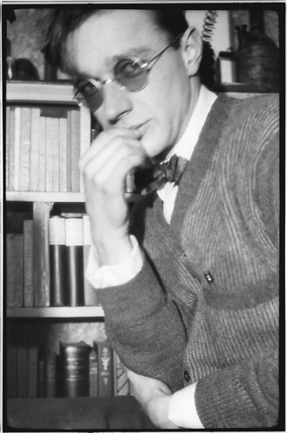 Self-Portrait in Sunglasses Before Bookshelf, 48 Columbia Heights, Brooklyn, New York. 1929. Courtesy of Walker Evans Archive: metmuseum.org